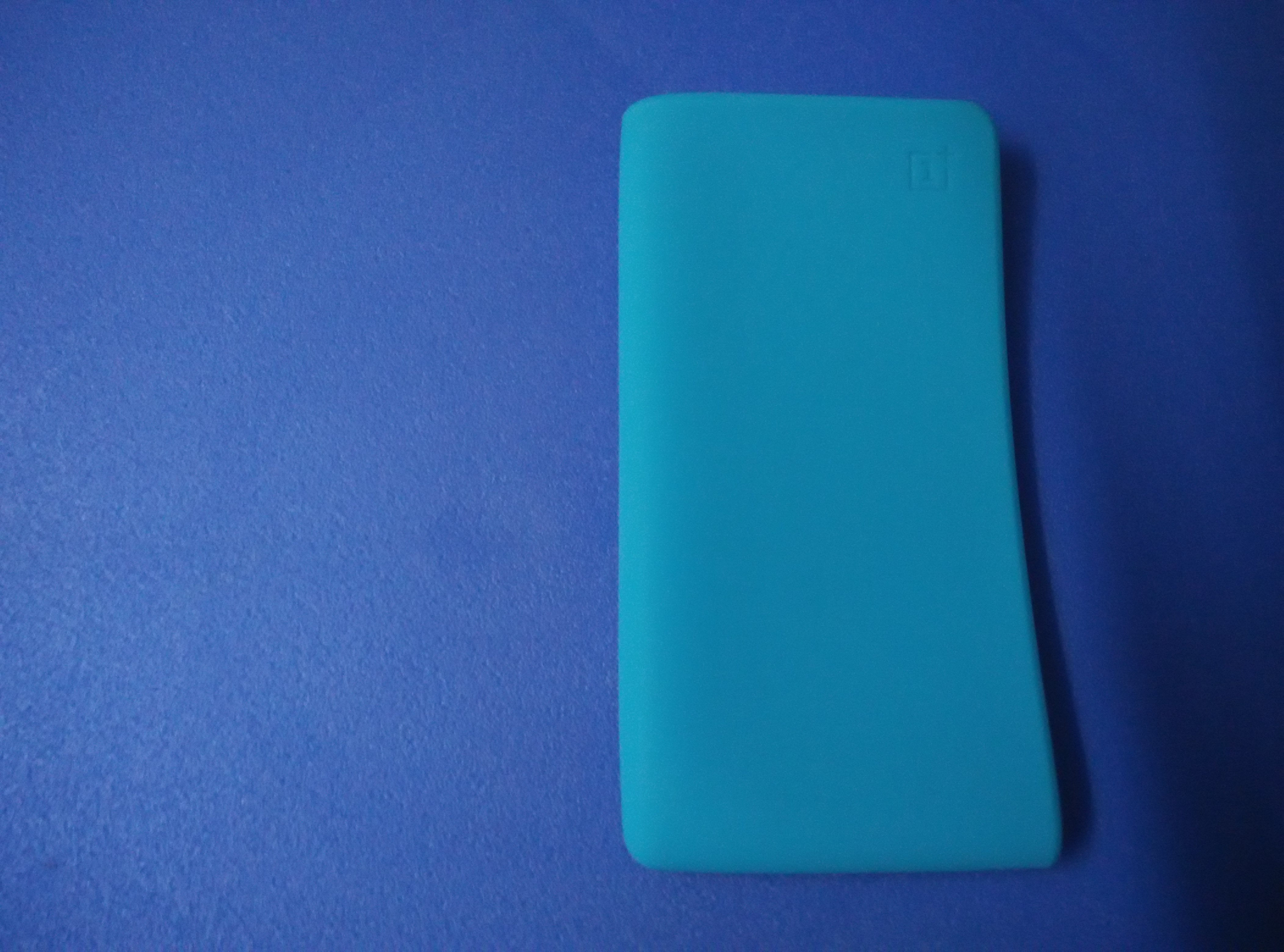 promo code 83f8e ff9ef OnePlus Power Bank Silicone Case Review: Bang for the buck designed ...