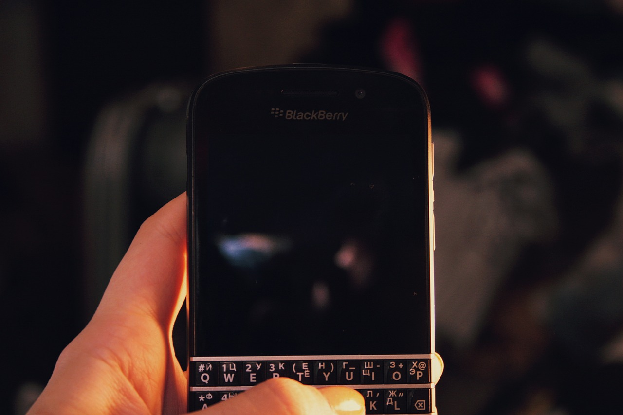 BlackBerry 'Athena' leaks in live images, could be called KEY²