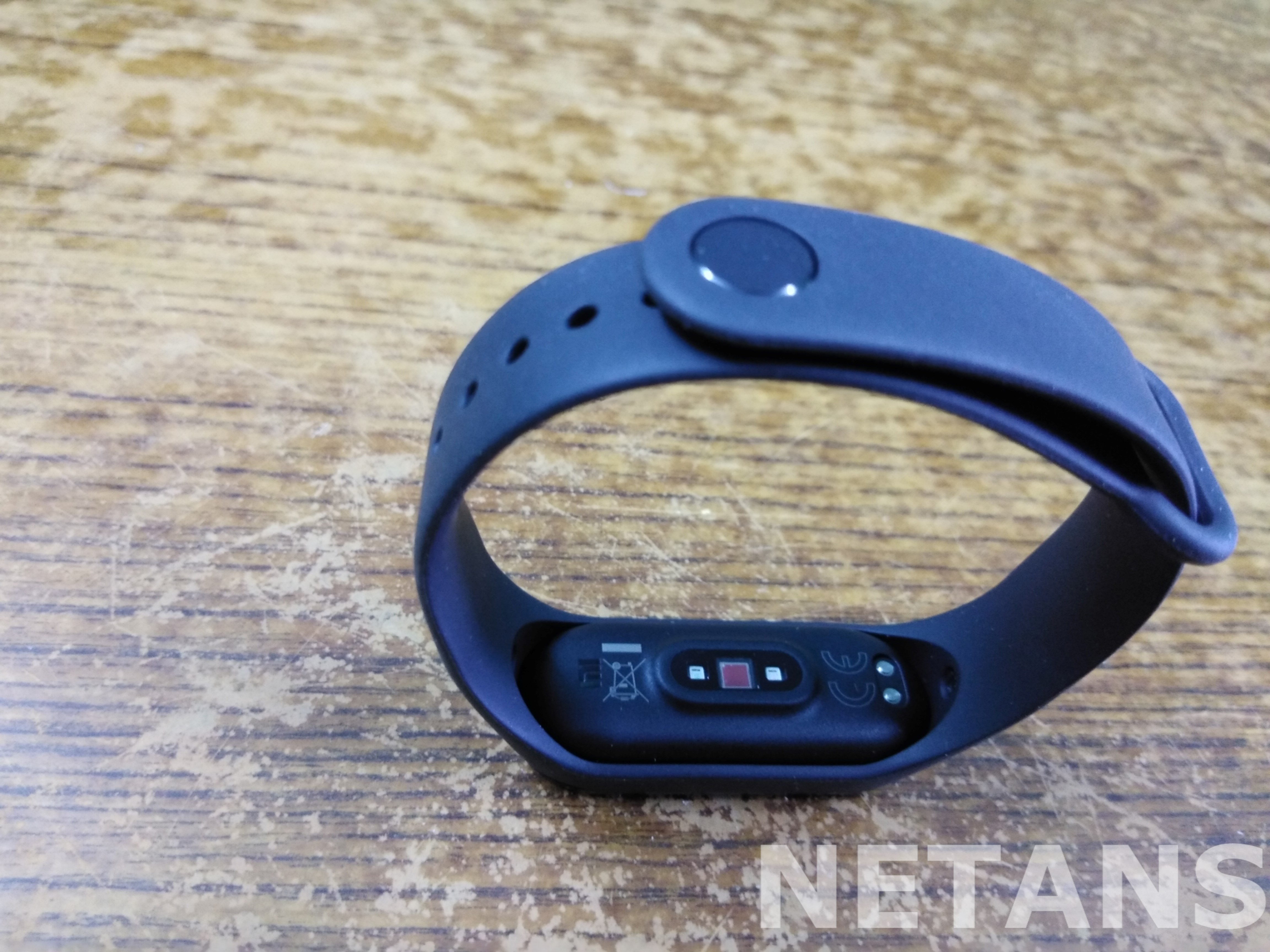 Mi Band 4 Review: Excellent fitness tracker you can bank upon